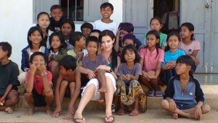 Tara Winkler als Volontärin in Kambodscha