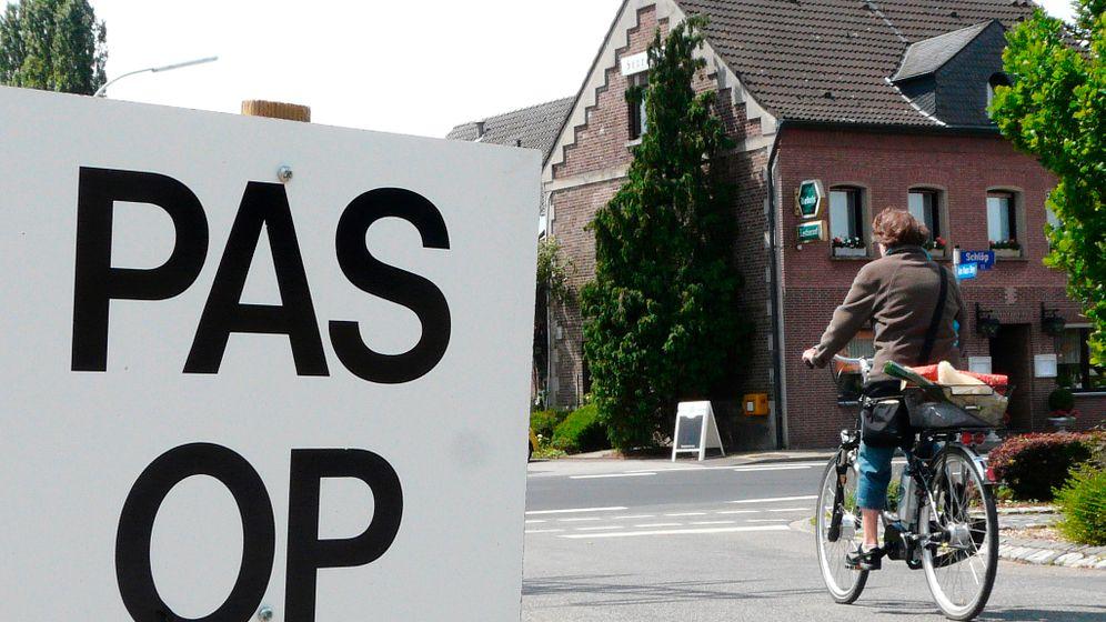 Radtour am Niederrhein: Kirchen, Koppeln, Klinkerhäuschen