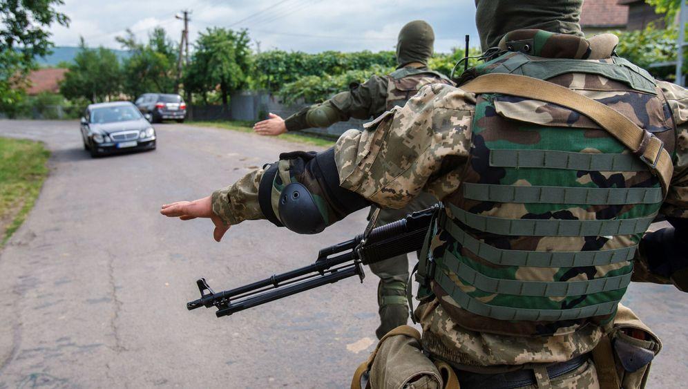 Gefecht in den Karpaten: Kiews Furcht vor dem Zorn der Nationalisten-Garden
