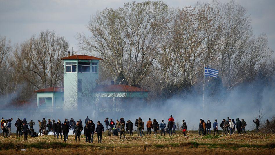 Die türkisch-griechische Grenze nahe des Grenzflusses Evros