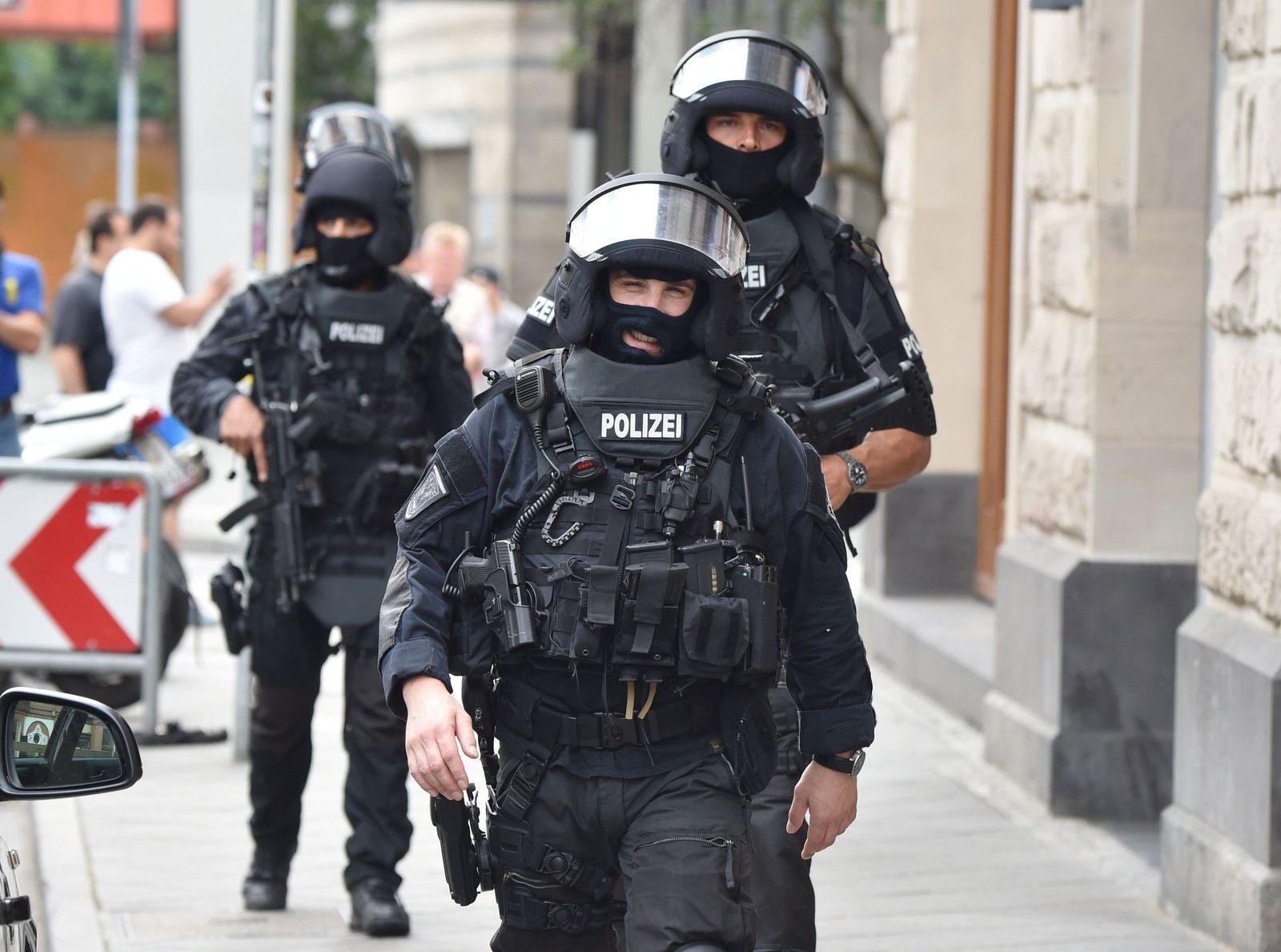 Spezialeinsatzkommandos / SEK / Polizei