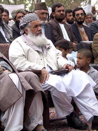 """Ismail Khan: Der """"Löwe von Herat"""" hält die Fäden in der Hand"""