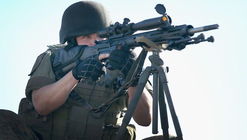 Polizeibeamter in Ferguson (im August): 92.442 Waffen