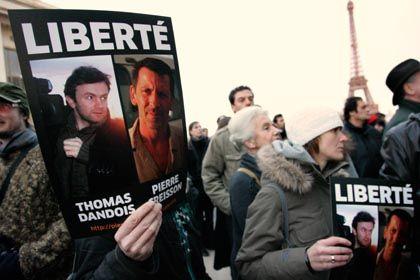 Reporter Dandois und Creisson: Proteste gegen die Inhaftierung in Paris