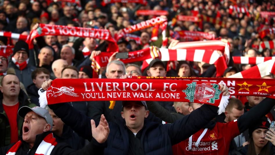 Fans des FC Liverpool in Anfield