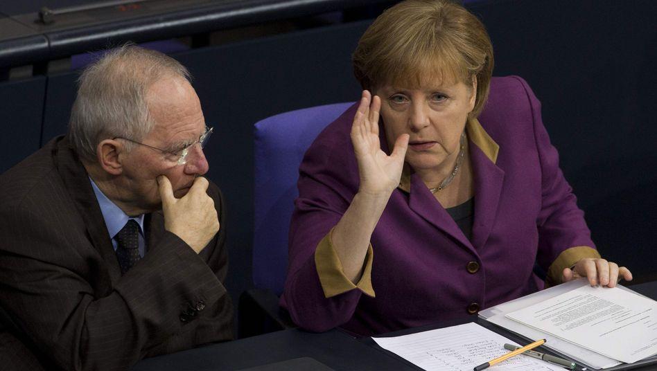 Kanzlerin Merkel und Finanzminister Schäuble: Regierung muss Opposition ins Boot holen