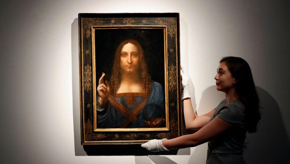 Gemälde »Salvator Mundi« (im Auktionshaus Christie's in London 2017)
