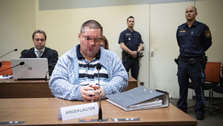 """Der Angeklagte Grzegorz W. im Gerichtssaal: """"Er stellte es so dar, dass die Leute grundsätzlich sehr aggressiv zu ihm waren"""""""