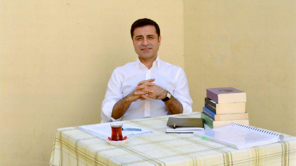 Selahattin Demirtas in seiner Gefängniszelle