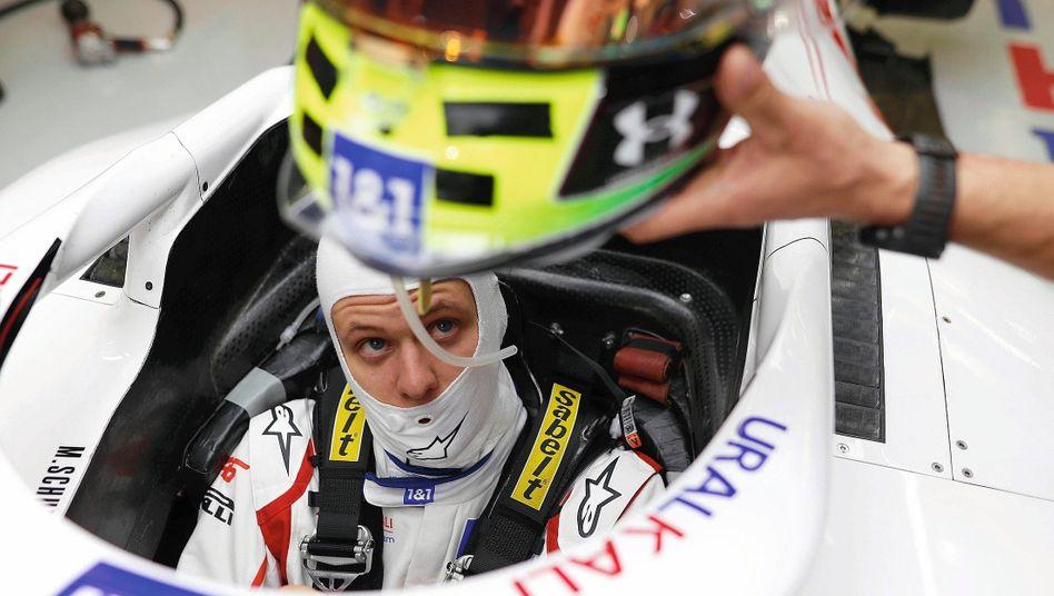 Grand-Prix-Pilot Schumacher: »Er weiß genau, wo er gelandet ist, er ist mental sehr gut vorbereitet«