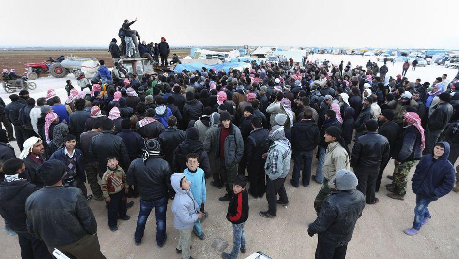 Ärzte ohne Grenzen: Flüchtlinge an der Grenze zur Türkei verzweifeln