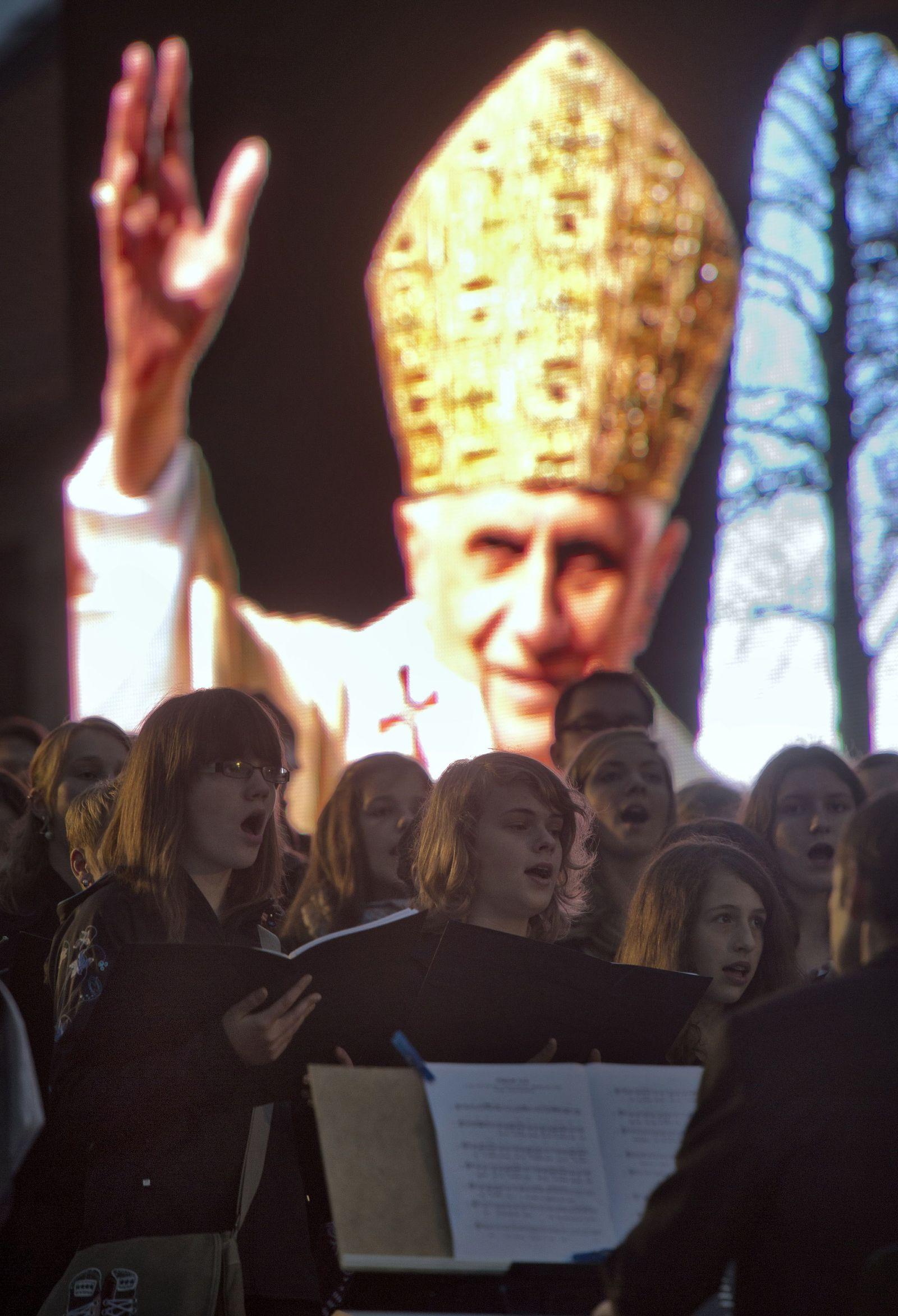 NICHT VERWENDEN Benedikt XVI.