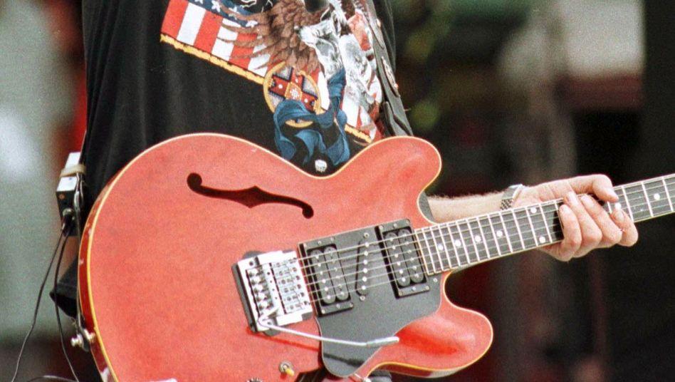 Alvin Lee, Gitarrist der Band Ten Years After bei einem Auftritt 1998: Er starb mit 68 Jahren