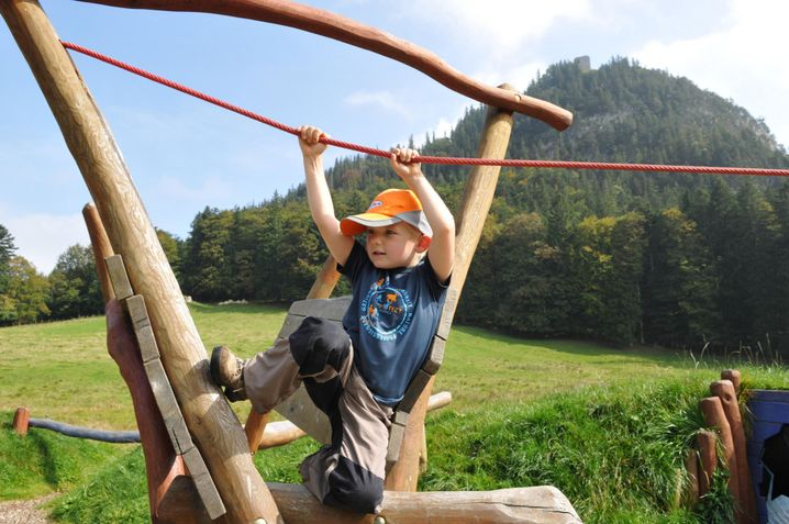 Spielplatz bei der Schlossanger Alp: Pause nach der Wanderung