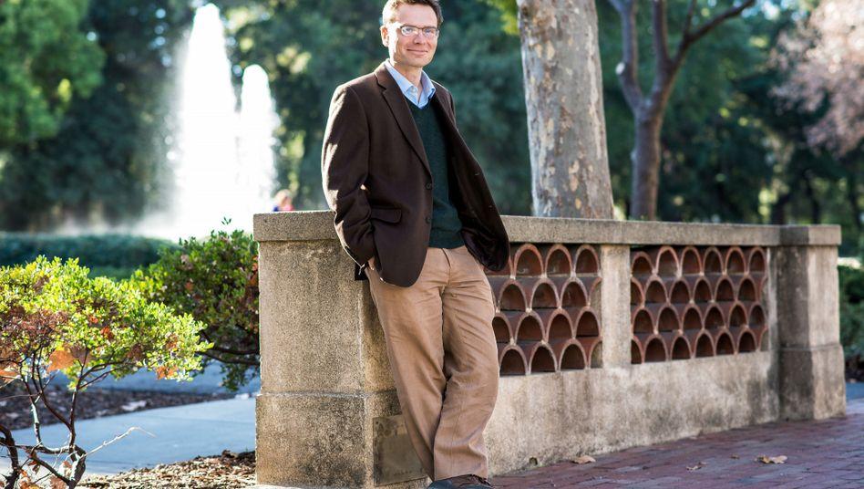 Standford economist Nicholas Bloom