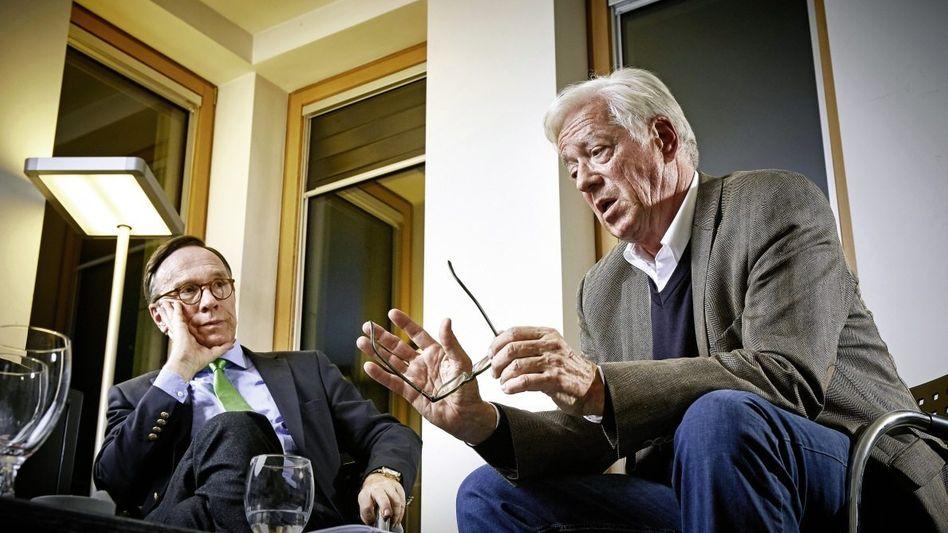Thilo Bode, 67, Chef der Verbraucherschutzorganisation Foodwatch (li), Matthias Wissmann, 65, Präsident des Verbandes der Automobilindustrie