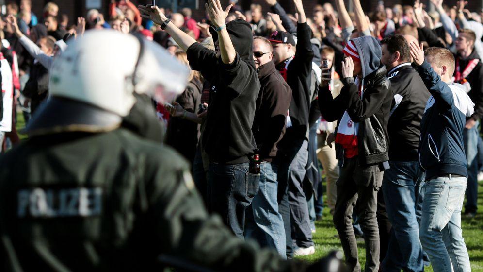 Krawalle beim Derby: Viel Arbeit für die Polizei