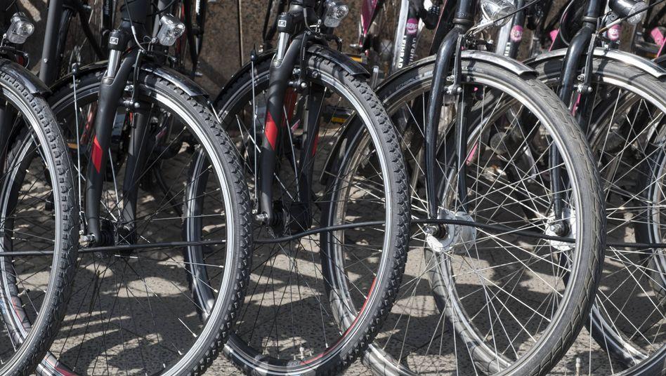 Fahrräder beim Händler (Symbolbild)
