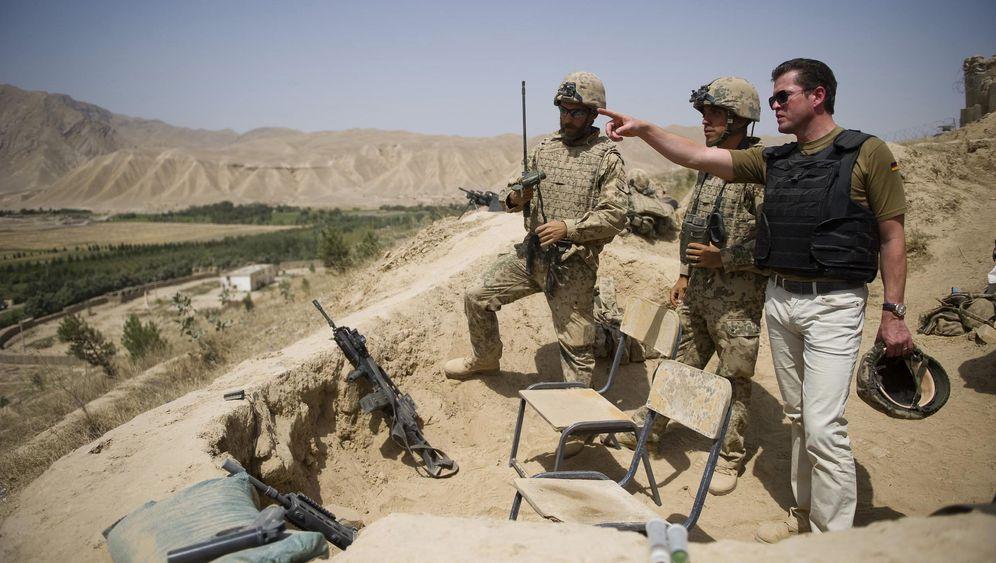 Visite im Kampfgebiet: Auf Tuchfühlung mit Soldaten in Afghanistan