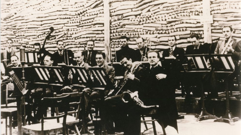 """Swing der Nazis: Big-Band-Sound für den """"Endsieg"""""""