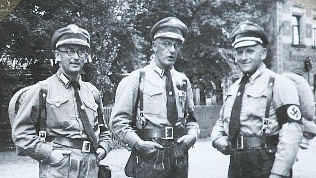 """Nationalsozialist Kellner (M., mit Parteigenossen 1934 in Nürnberg): """"Vorherige Warnung"""""""