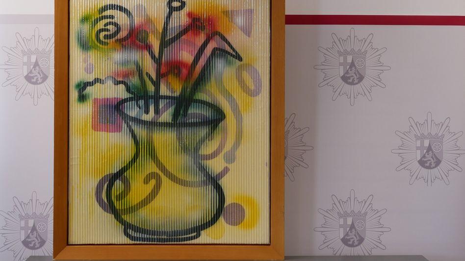 Das Gemälde »Vasen Linsenbild« von Sigmar Polke nach dem Fund im Polizeipräsidium
