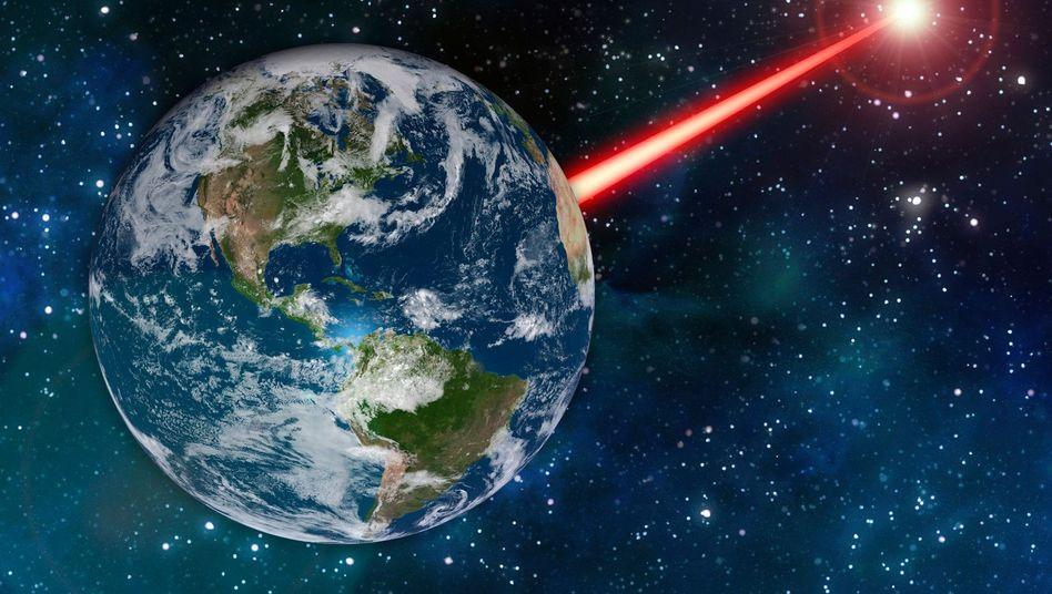 Gebündelter Laserstrahl von der Erde in den Weltraum (grafische Darstellung)