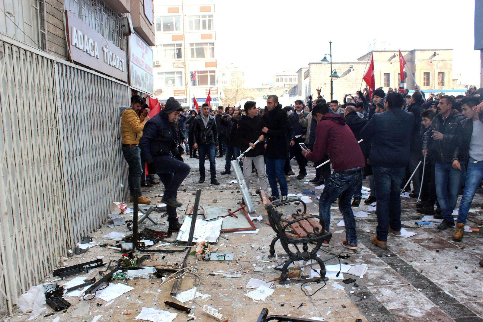 Türkei/ Kayseri/ Bombenanschlag/ Proteste