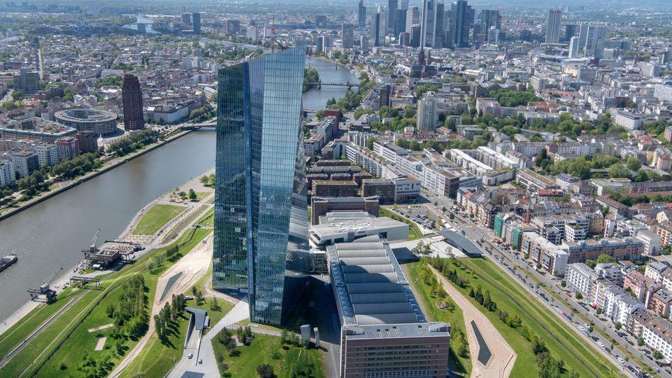 Doppelturm der EZB in Frankfurt