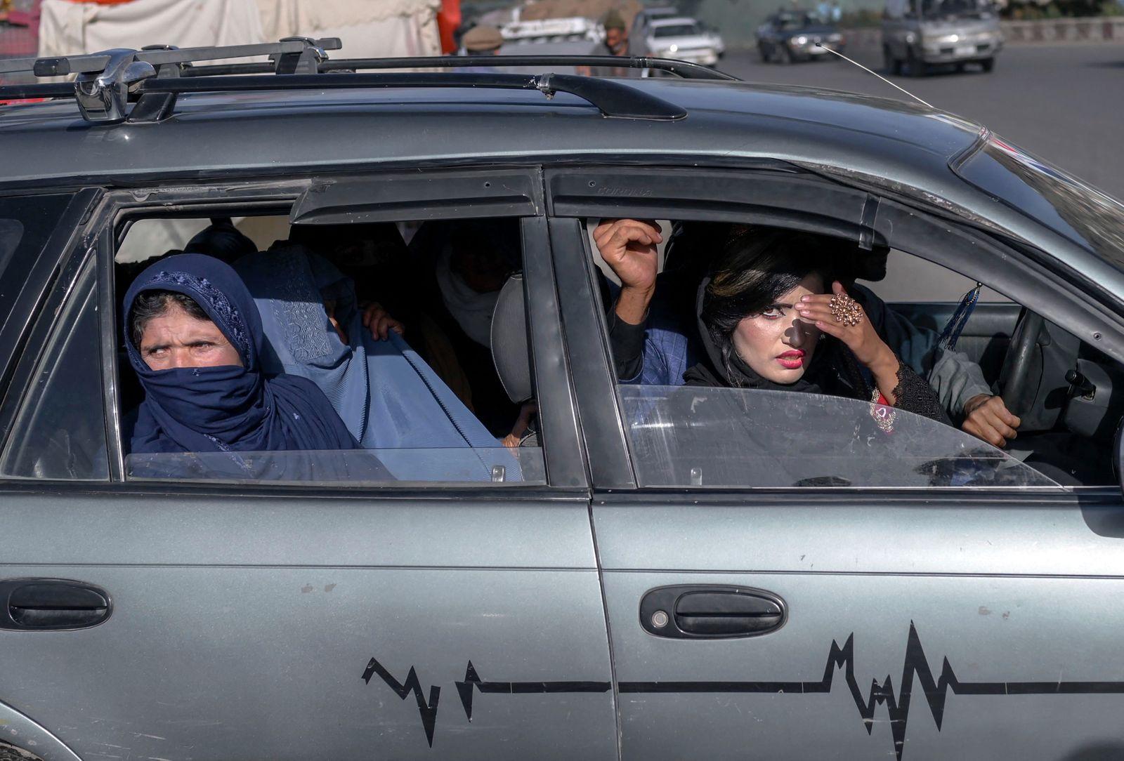 TOPSHOT-AFGHANISTAN-SOCIETY-PEOPLE