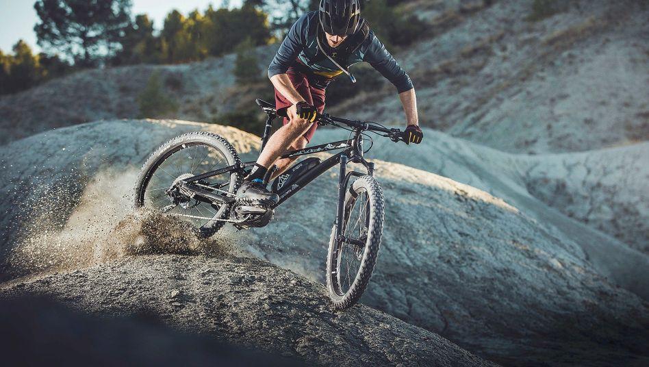 Mountainbike mit Shimano-Elektroantrieb: Stromschub vom Nachzügler