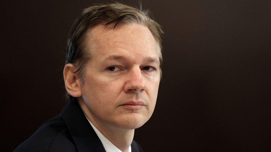 Julian Assange, the Australian founder of WikiLeaks, has been deined bail in London.