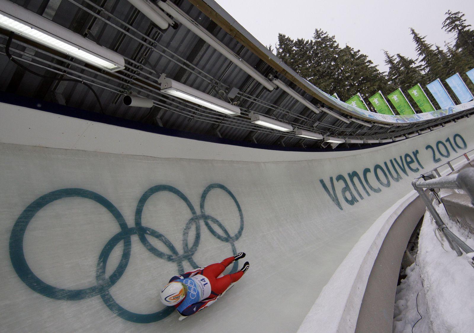 Vancouver Olympics Luge rodelbahn II