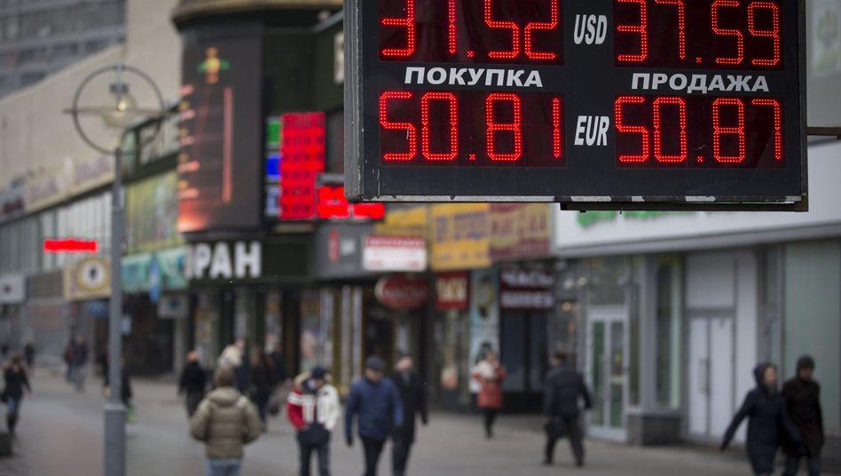 Wechselstube in Moskau: Rubelkurs unter Druck