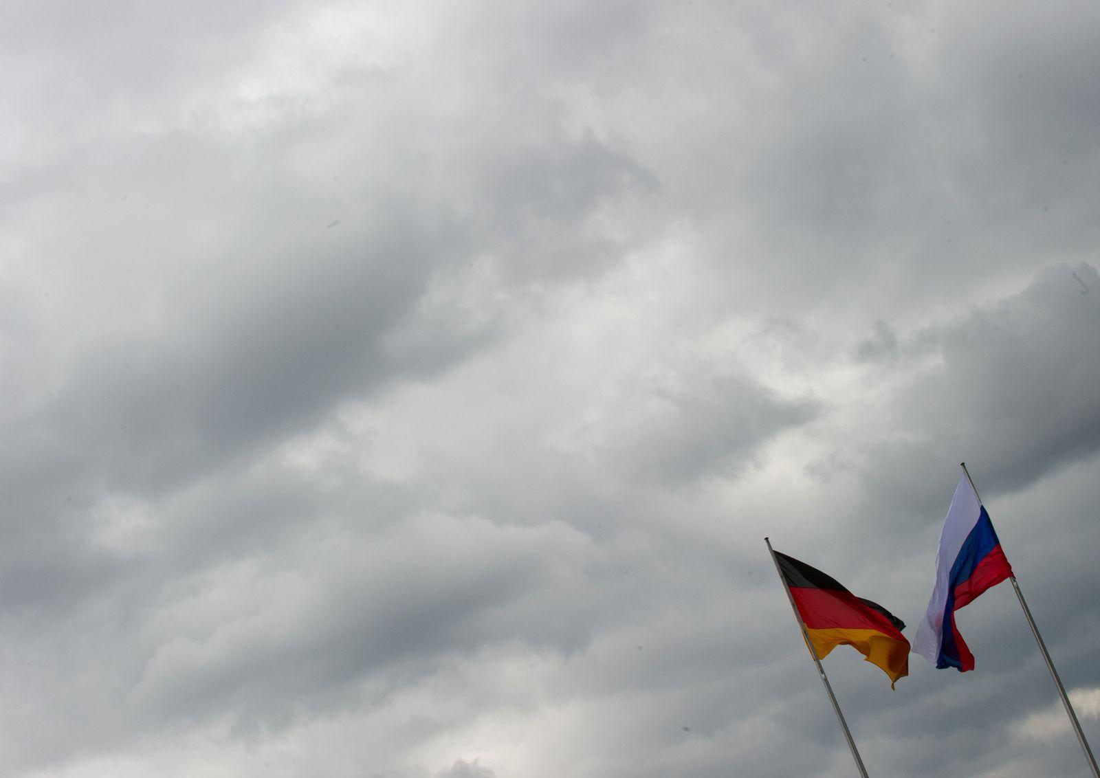 Deutsche und russiche Flagge
