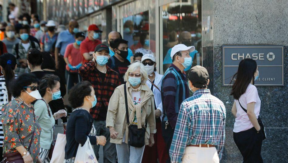 New York: 66.000 Infektionen in gut drei Wochen verhindert