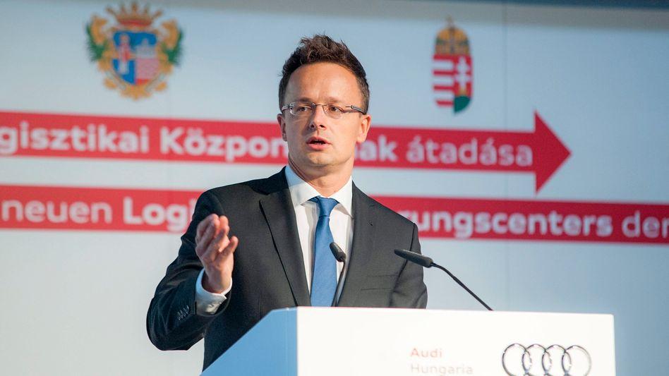 """Ungarns Außenminister Szijjártó: Österreichs Bundeskanzler """"betreibt Lügenkampagne"""""""
