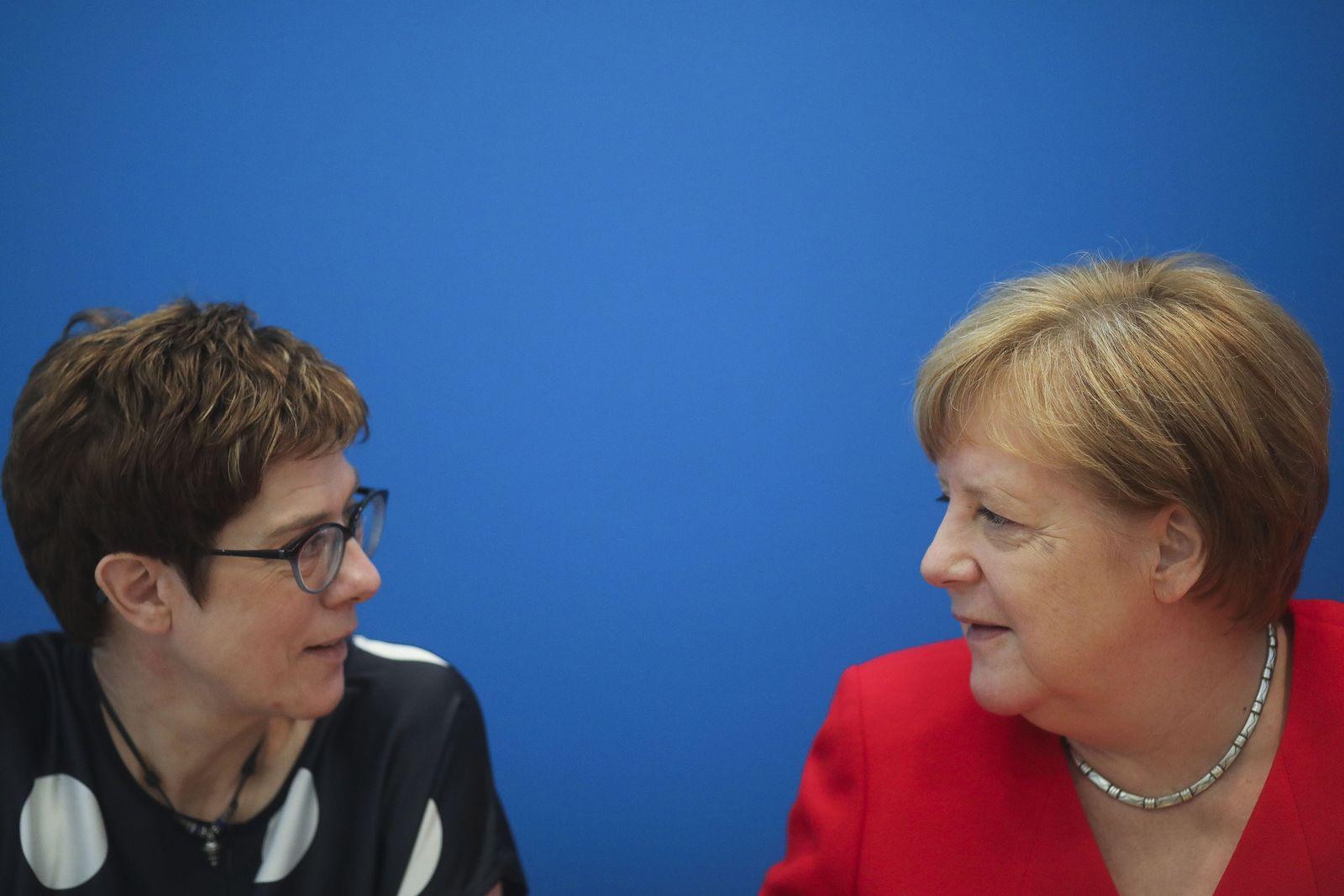 Kramp-Karrenabuer / Merkel