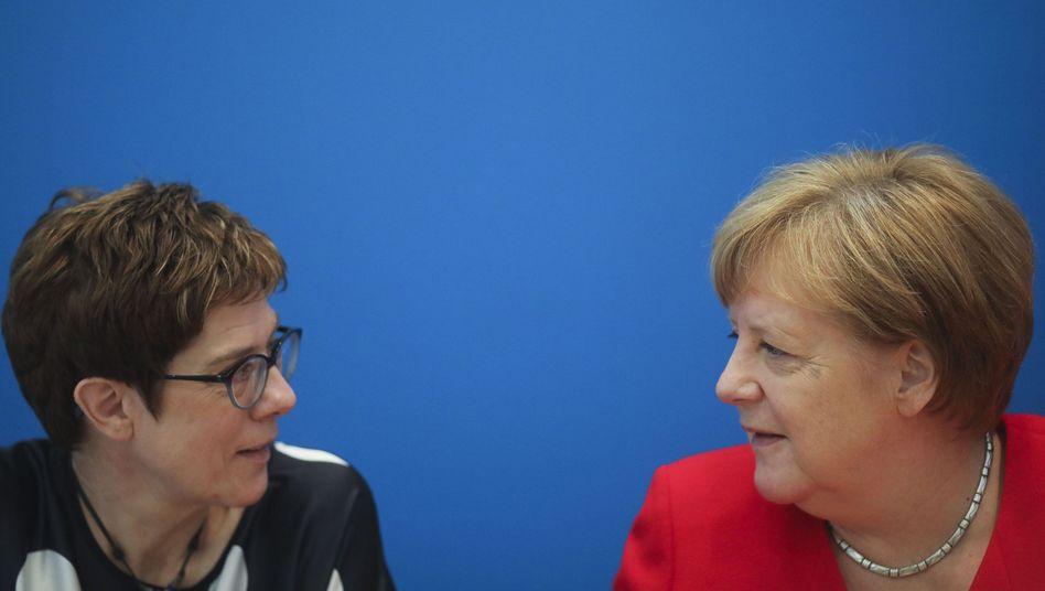 Kramp-Karrenbauer, Merkel: Die Frauenquote gilt für die gesamte Legislaturperiode