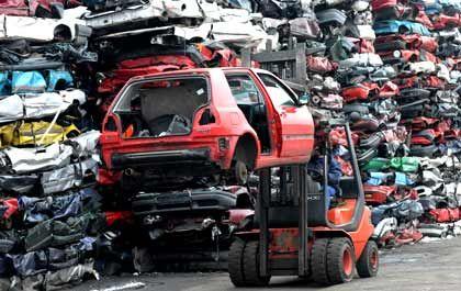 Auto-Schrottplatz (in Sachsen): Die Nachfrage zieht an