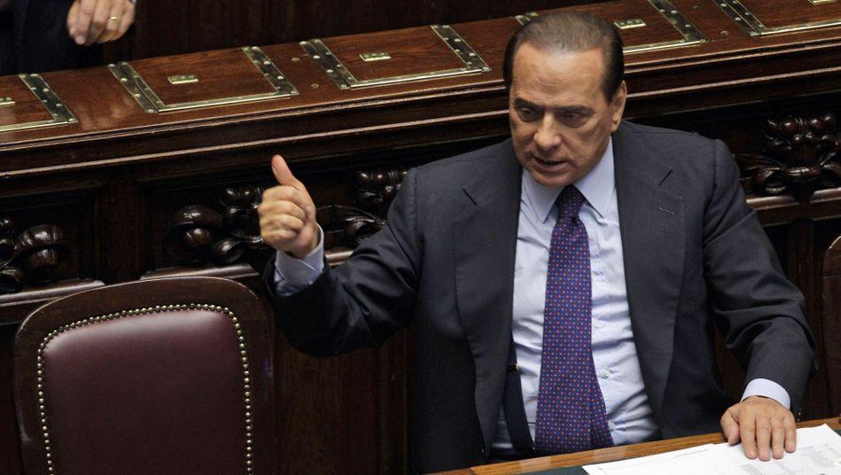 Zum Rücktritt aufgefordert: Italiens Regierungschef Silvio Berlusconi