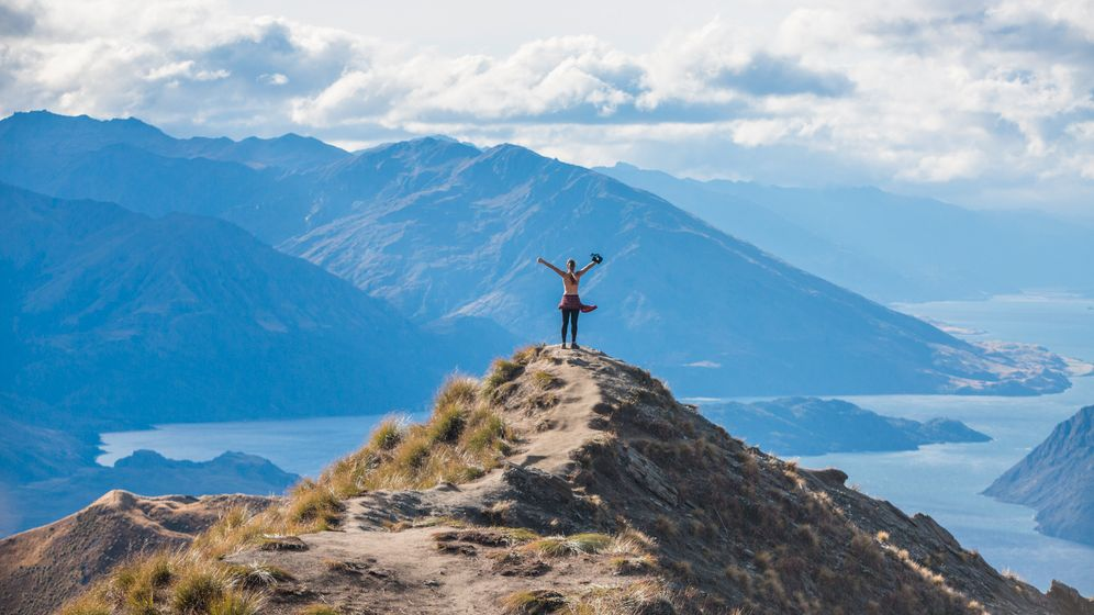 Titanic-Pose am Roy's Peak über dem See Wanaka: Beliebt und bekannt