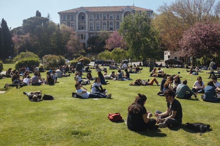 Die Bosporus-Universität gilt als die beste Universität des Landes, aber die Idylle trügt.