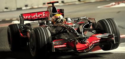 Formel-1-Weltmeister Hamilton: Acht Motoren pro Saison