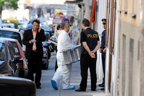 Kriminaltechniker vor dem Tempel in Wien: Blutige Auseinandersetzung bei der Predigt