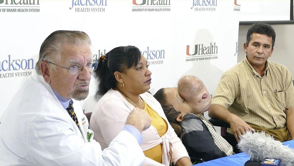 Arzt, Familie Zayas in Miami