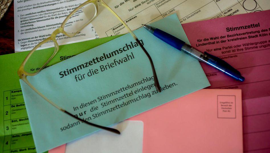 Unterlagen für die Briefwahl in Nordrhein-Westfalen