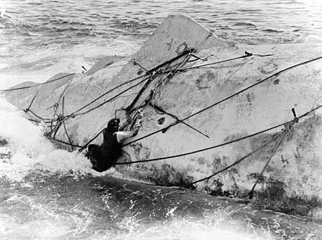 """Filmszene aus """"Moby Dick"""" mit Gregory Peck als Kapitän Ahab: """"Wie von Sinnen vor Wut und Rachegelüsten"""""""