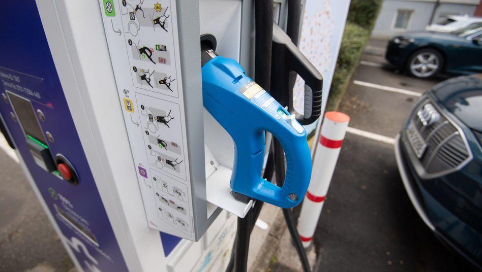 Ladesäulen für Elektroautos sieht man in Deutschland noch nicht flächendeckend