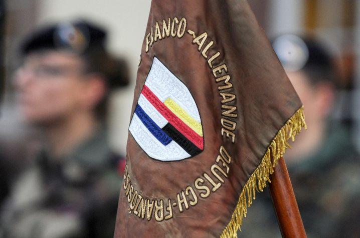 Banner der deutsch-französischen Brigade
